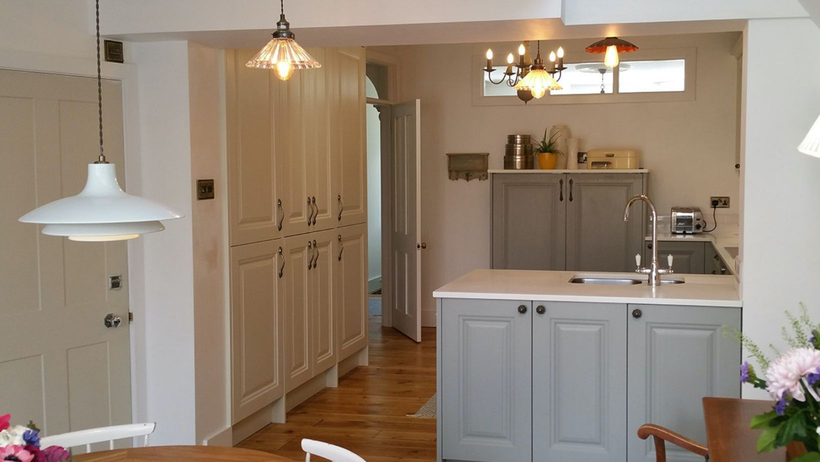 Cosy, hand painted customer Kitchen
